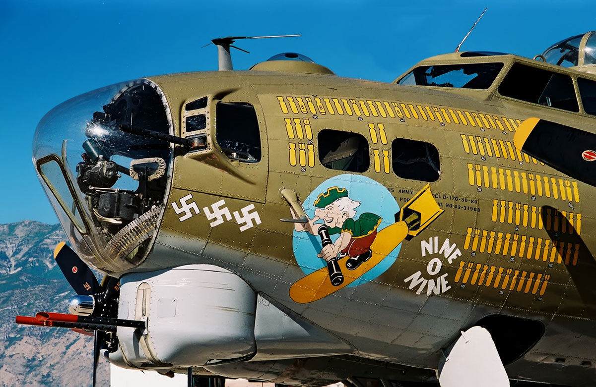 WW2 Bomber image